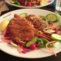 รูปภาพถ่ายที่ Green Salads โดย A B. เมื่อ 10/29/2012