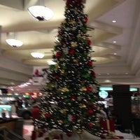 Foto tomada en Briarwood Mall por Richard K. el 11/3/2012