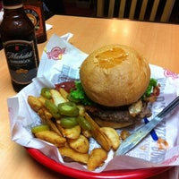 Photo taken at Fuddruckers by Juan T. on 11/18/2012