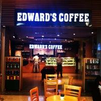 11/25/2012 tarihinde Bora N.ziyaretçi tarafından Edward's Coffee'de çekilen fotoğraf