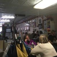 2/12/2017에 Mollie B.님이 Betty's Restaurant에서 찍은 사진