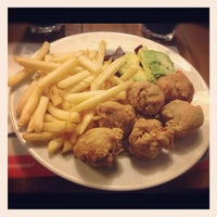 Photo taken at Pardos Chicken by Christian G. on 11/19/2012