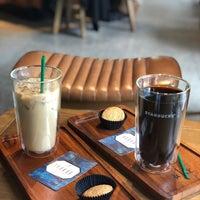 7/22/2018 tarihinde Noviana E.ziyaretçi tarafından Starbucks Reserve'de çekilen fotoğraf