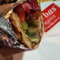 7/13/2013 tarihinde ciler t.ziyaretçi tarafından Ab'bas Waffle & Cafe'de çekilen fotoğraf
