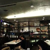 11/3/2012에 John P.님이 PARIS CROISSANT Café에서 찍은 사진