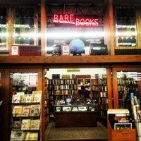 Das Foto wurde bei Half Price Books von Fery L. am 3/11/2013 aufgenommen