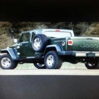 ... Foto Tirada No(a) Manhattan Jeep Chrysler Dodge Ram Por JoNeZEE Em 12/  ...