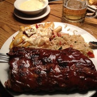 Photo taken at Outback Steakhouse by Andrés M. on 9/30/2012