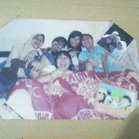 Photo taken at SMP Negeri 4 Surabaya by Hendist A. on 10/17/2013