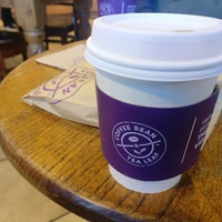 Photo taken at The Coffee Bean & Tea Leaf by Gary Q. on 6/14/2017