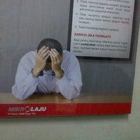 Photo taken at Bank CIMB NIAGA Unit Mikro Laju Gemolong by Youssef H. on 1/31/2013