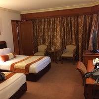 Photo taken at Topland Hotel by บีเองค้าบ แ. on 4/12/2014