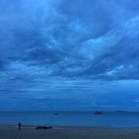 Photo taken at Tung Wua Laen Beach by тнıтчッ on 5/27/2018