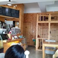 Photo taken at 커피가있는다락방 by Semi S. on 5/11/2014