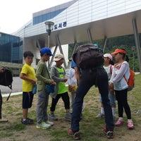 Photo taken at 커피가있는다락방 by Semi S. on 7/13/2014