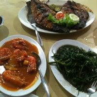"Photo taken at Santiga Seafood ""Abeng"" Benhil by Rizkianto M. on 2/23/2013"