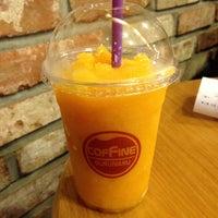Photo taken at COFFINE GURUNARU by mingoo k. on 7/22/2013