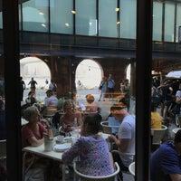 9/24/2017にThomas S.がFEED Shop & Cafeで撮った写真