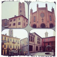 1/30/2014에 Chiara B.님이 Consorzio Turistico Langhe Monferrato Roero Booking Office에서 찍은 사진