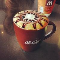 Снимок сделан в McDonald's пользователем Edmund L. 6/2/2013