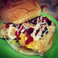 Photo taken at Zaidi Oblong Burger by Travor L. on 7/16/2013