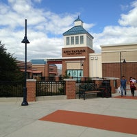 Photo taken at Philadelphia Premium Outlets by Jim L. on 9/22/2013