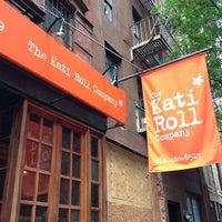 Photo prise au The Kati Roll Company par Mark E. le7/15/2013