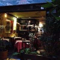 Foto tomada en Tienda de Café por Andrea B. el 5/2/2013