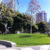 2/21/2013 tarihinde Francis K.ziyaretçi tarafından Yerba Buena Gardens'de çekilen fotoğraf