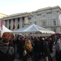 Foto tomada en Downtown Holiday Market por Katie B. el 12/8/2012