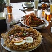 Photo taken at Saung Edi by Erdiawan P. on 12/19/2014