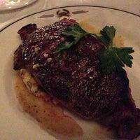 Foto scattata a Truluck's Seafood Steak & Crab da M S. il 1/6/2013