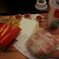 Photo taken at McDonald's / McCafé by FadiLa Y. on 4/30/2013