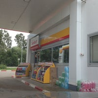 Photo taken at АЗС Shell by Борис Н. on 7/28/2013