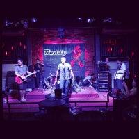 Photo taken at Buddy Pub by นันทิดา ป. on 11/11/2013