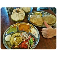 Photo taken at Sri Ananda Bahwan Restaurant by Chin Chong O. on 2/4/2015