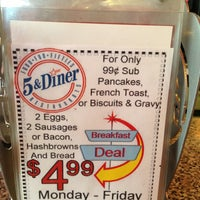 Photo taken at 5 & Diner by Enoch L. on 4/18/2013