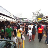 Photo taken at Chatuchak Weekend Market by rachanon w. on 2/3/2013
