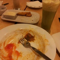 Photo taken at Pizza Hut by Cicha F. on 11/26/2012