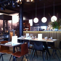 Foto tomada en Diurno Restaurant & Bar por Marta M. el 5/18/2013