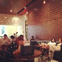 7/10/2013にSELENAがGrace Street Cafeで撮った写真