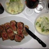 Das Foto wurde bei M-Steakhouse von Atilla U. am 5/22/2013 aufgenommen