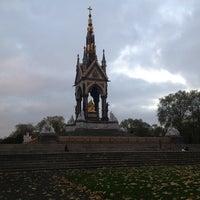 Foto tirada no(a) Kensington Gardens por Atilla U. em 11/7/2012