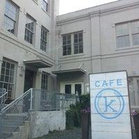 Foto tirada no(a) Kraftsmen Bakery & Cafe por Morgan B. em 5/19/2013