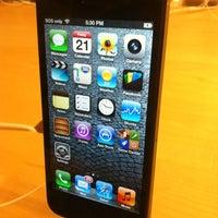 Photo taken at Apple Chermside by Jenson L. on 9/21/2012