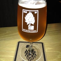 Photo prise au Mikkeller Bar par @njwineandbeer le7/31/2013