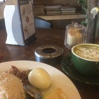 Photo taken at Bliss 33 Café by Khairul A. on 10/28/2016