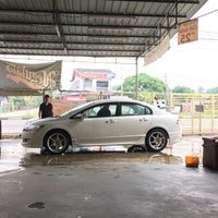 Photo taken at CGK Megulars Car Wash & Polish Centre (Pontian) by Mohamad N. on 8/6/2016