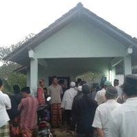Photo taken at Makam Muslim Karet (Selatan) by mashanafi on 3/29/2013