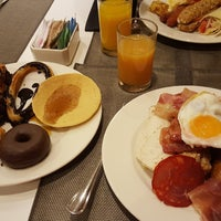 Photo taken at Hotel Catalonia Gran Vía **** by Nikos D. on 8/2/2017